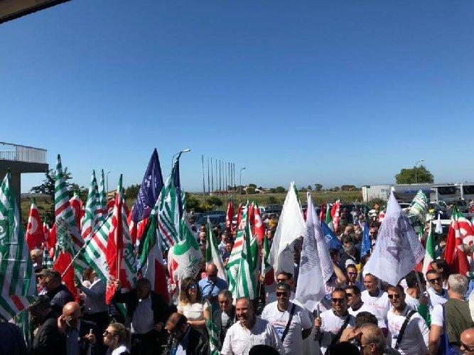 https://www.ragusanews.com//immagini_articoli/11-05-2019/ragusa-catania-e-il-giorno-protesta-500.jpg