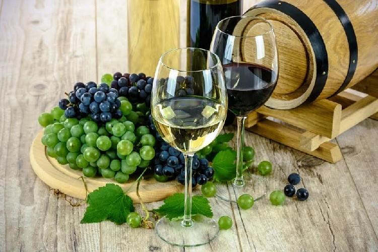 https://www.ragusanews.com//immagini_articoli/11-05-2020/dieta-e-bevande-alcoliche-quanto-sono-caloriche-500.jpg