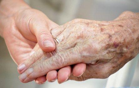 https://www.ragusanews.com//immagini_articoli/11-05-2021/covid-e-morto-un-uomo-di-73-anni-di-scicli-280.jpg