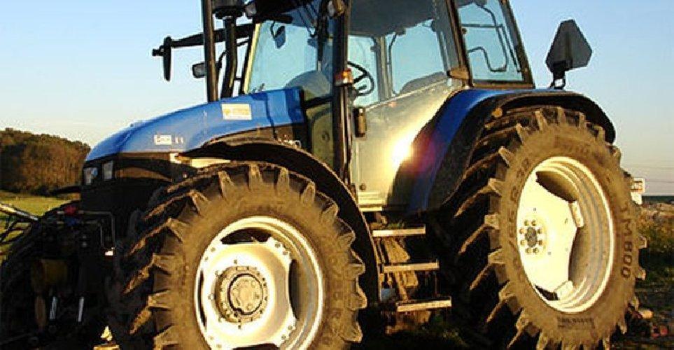 https://www.ragusanews.com//immagini_articoli/11-05-2021/e-morto-il-21enne-modicano-caduto-dal-trattore-500.jpg