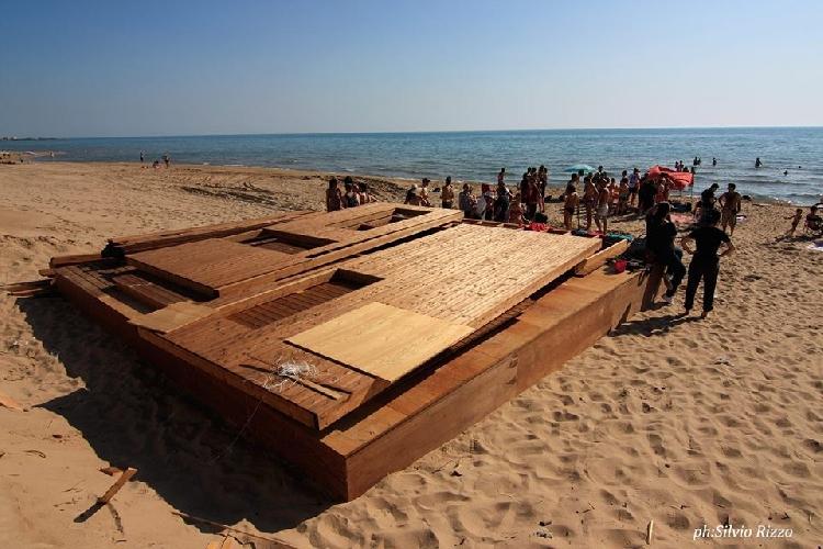 http://www.ragusanews.com//immagini_articoli/11-06-2014/il-comune-di-ragusa-a-randello-si-demolisca-500.jpg