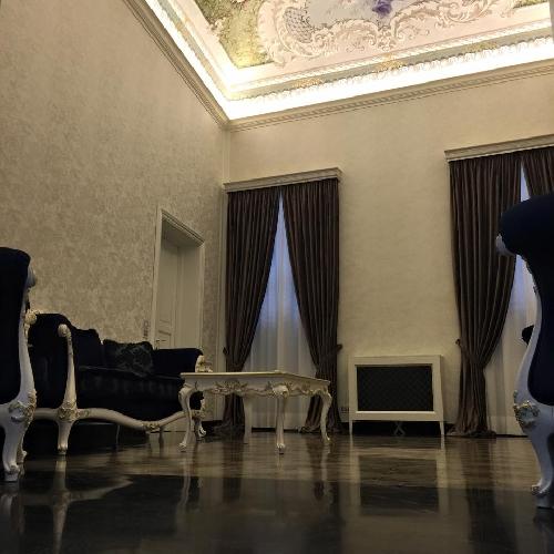http://www.ragusanews.com//immagini_articoli/11-06-2015/gli-interni-restaurati-di-palazzo-favacchio-500.jpg