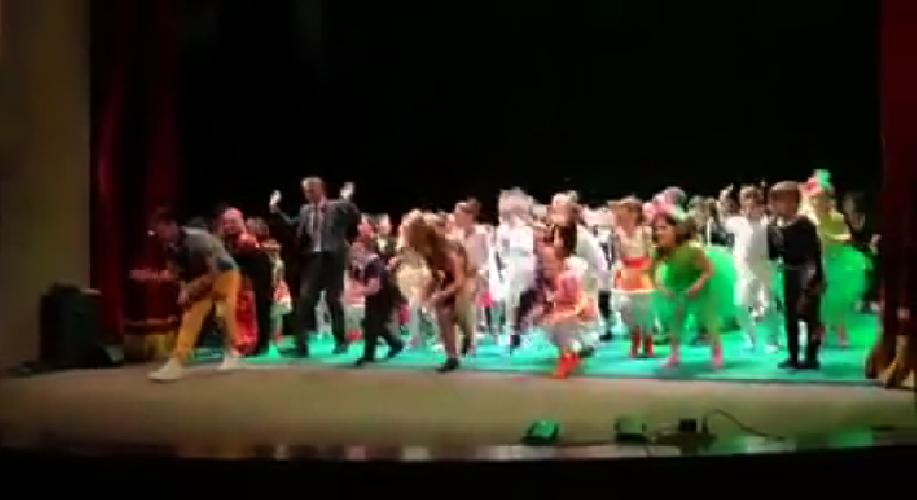 http://www.ragusanews.com//immagini_articoli/11-06-2017/balla-teatro-sindaco-abbate-video-500.png