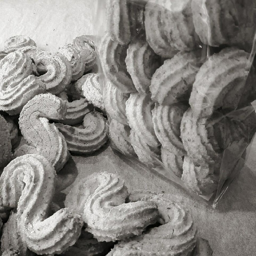 https://www.ragusanews.com//immagini_articoli/11-06-2017/biscotti-campagna-nonna-siciliana-grani-antichi-lantiglobal-500.jpg