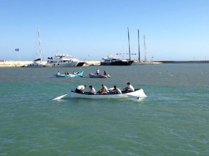 http://www.ragusanews.com//immagini_articoli/11-07-2014/cinque-candeline-spente-dal-porto-di-marina-di-ragusa-500.jpg