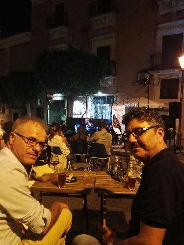 https://www.ragusanews.com//immagini_articoli/11-07-2017/comisando-ultima-serata-castello-aragonese-500.jpg