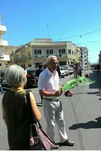 http://www.ragusanews.com//immagini_articoli/11-07-2017/sanit-protesta-piazza-ragusa-rosa-aric-500.jpg