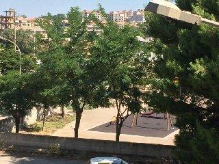 https://www.ragusanews.com//immagini_articoli/11-07-2018/incubo-scooter-circonvallazione-ortisiana-240.jpg