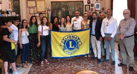http://www.ragusanews.com//immagini_articoli/11-07-2018/scambi-giovanili-lions-studenti-quattro-nazioni-presenti-modica-240.jpg