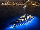 https://www.ragusanews.com//immagini_articoli/11-07-2018/yacht-metri-lusso-teatro-elicottero-100.jpg