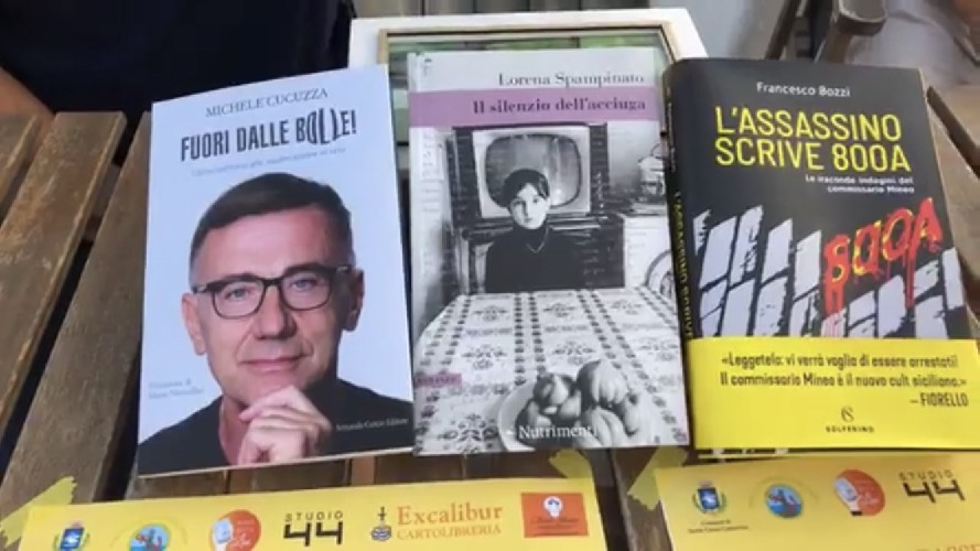 https://www.ragusanews.com//immagini_articoli/11-07-2020/libri-d-amare-a-punta-secca-500.jpg
