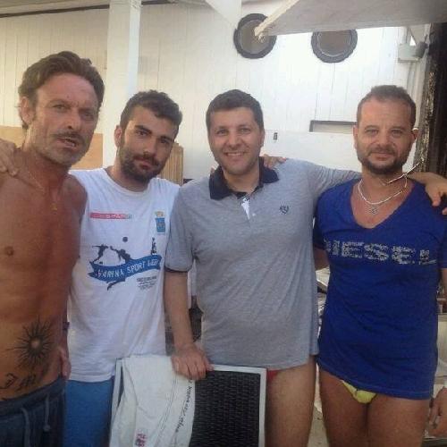 https://www.ragusanews.com//immagini_articoli/11-08-2014/schillaci-gioca-a-calcio-con-piccitto-500.jpg