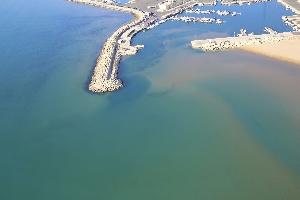 http://www.ragusanews.com//immagini_articoli/11-08-2016/il-porto-di-pozzallo-serve-solo-a-chi-sta-di-la-del-mare-200.jpg
