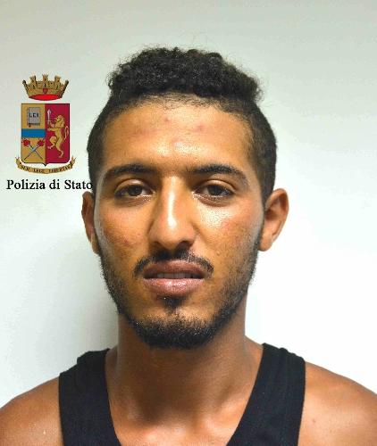 http://www.ragusanews.com//immagini_articoli/11-08-2017/arrestato-nuovamente-spacciatore-punta-braccetto-500.jpg