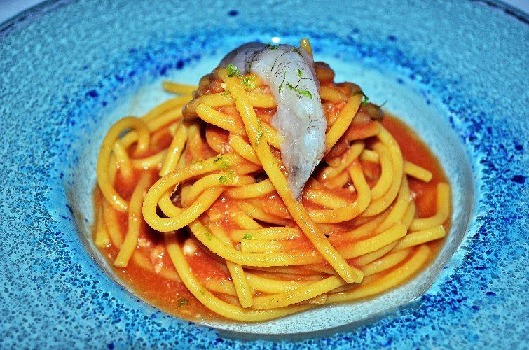 https://www.ragusanews.com//immagini_articoli/11-08-2018/iniziare-spaghetto-fresco-sugo-canocchia-500.jpg