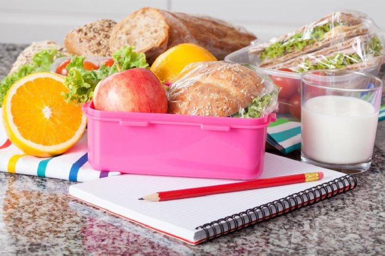 https://www.ragusanews.com//immagini_articoli/11-08-2018/snack-dietetici-quelli-consigliati-perdere-peso-500.jpg