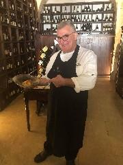 https://www.ragusanews.com//immagini_articoli/11-08-2020/35-anni-di-passione-per-il-ristorante-don-camillo-240.jpg