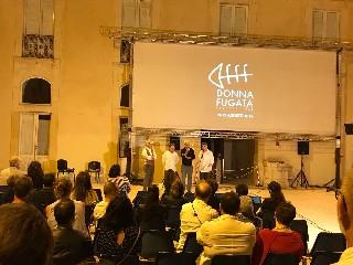 https://www.ragusanews.com//immagini_articoli/11-08-2020/al-via-la-12esima-edizione-del-donnafugata-filmfestival-240.jpg