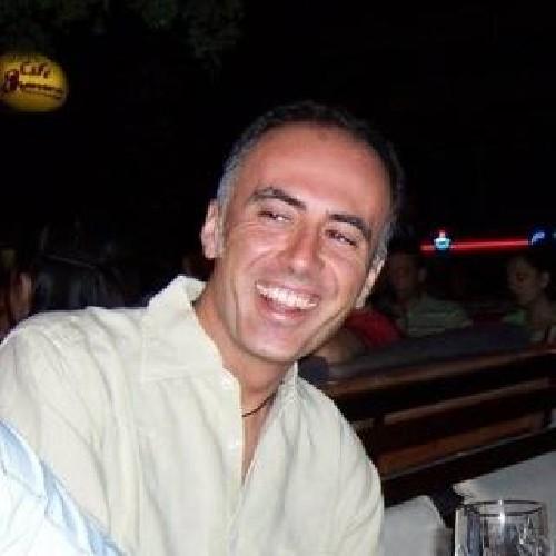 https://www.ragusanews.com//immagini_articoli/11-08-2020/modica-scossa-per-la-morte-di-alberto-vicari-500.jpg