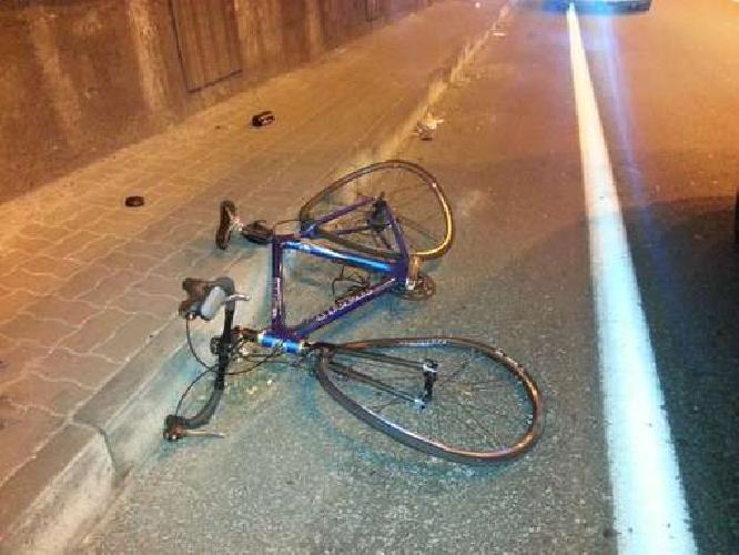 https://www.ragusanews.com//immagini_articoli/11-09-2014/tamponato-e-multato-lavventura-di-un-ciclista-amatoriale-500.jpg