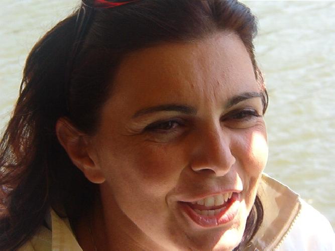 http://www.ragusanews.com//immagini_articoli/11-09-2017/donazione-ricordare-professoressa-lucia-fronte-500.jpg