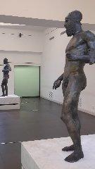 https://www.ragusanews.com//immagini_articoli/11-09-2018/1536682022-bronzi-piace-museo-eccellenza-italiana-1-240.jpg
