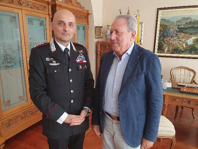 https://www.ragusanews.com//immagini_articoli/11-09-2019/il-comandante-provinciale-dei-carabinieri-gabriele-gainelli-a-ragusa-500.jpg