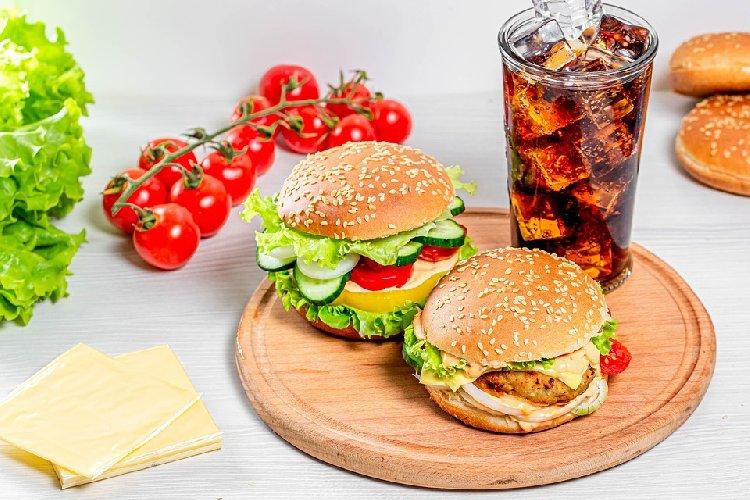 https://www.ragusanews.com//immagini_articoli/11-09-2019/sindrome-colon-irritabile-la-dieta-da-seguire-500.jpg