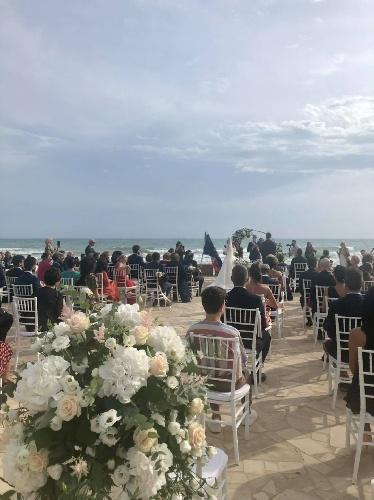 https://www.ragusanews.com//immagini_articoli/11-09-2021/a-marina-di-ragusa-ci-si-sposa-alla-rotonda-sul-mare-500.jpg