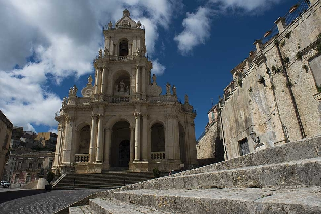https://www.ragusanews.com//immagini_articoli/11-10-2016/palazzolo-acreide-registrate-oltre-4-mila-presenze-turistiche-420.jpg