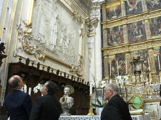 http://www.ragusanews.com//immagini_articoli/11-10-2017/alberto-monaco-giorgio-castello-conti-500.jpg