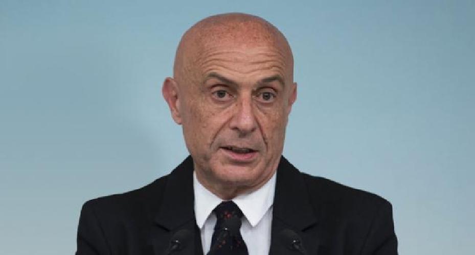 https://www.ragusanews.com//immagini_articoli/11-10-2017/pozzallo-ministro-sindaco-rafforzeremo-controlli-mare-500.jpg