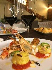 https://www.ragusanews.com//immagini_articoli/11-10-2018/1539248725-ristorante-nonloso-presenta-october-taste-strings-1-240.jpg