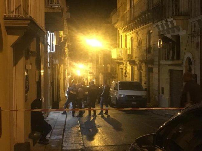 https://www.ragusanews.com//immagini_articoli/11-10-2018/anziana-morta-ragusa-sospetta-omicidio-500.jpg