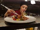 https://www.ragusanews.com//immagini_articoli/11-10-2018/ristorante-nonloso-presenta-october-taste-strings-100.jpg