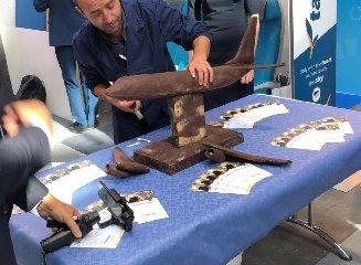 https://www.ragusanews.com//immagini_articoli/11-10-2019/1570795022-un-aereo-di-cioccolato-di-modica-al-ttg-di-rimini-1-240.jpg