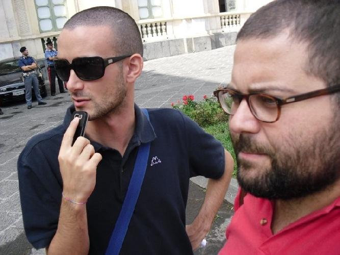 http://www.ragusanews.com//immagini_articoli/11-11-2011/a-scicli-trenta-operai-dell-informazione-500.jpg