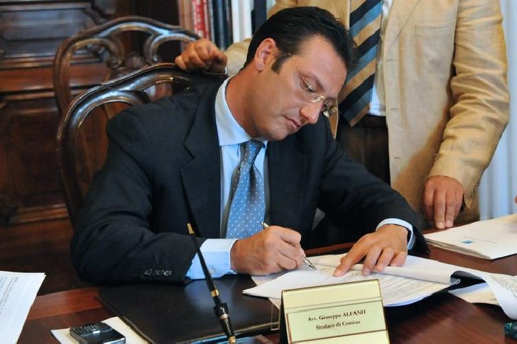 https://www.ragusanews.com//immagini_articoli/11-11-2011/depotenziato-il-reparto-di-urologia-dellospedale-di-comiso-500.jpg