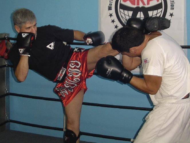 http://www.ragusanews.com//immagini_articoli/11-11-2014/chiaramonte-gulfi-primo-master-regionale-di-kick-boxing-500.jpg