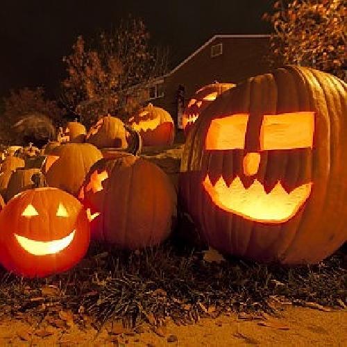 http://www.ragusanews.com//immagini_articoli/11-11-2014/festa-di-halloween-in-chiesa-8-giovani-denunciati-a-ragusa-500.jpg