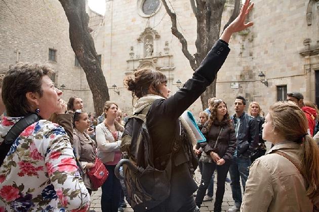 http://www.ragusanews.com//immagini_articoli/11-11-2016/city-walk-tour-la-nuova-offerta-culturale-420.jpg