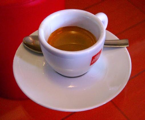 https://www.ragusanews.com//immagini_articoli/11-11-2016/il-caffe-corretto-al-candidato-sindaco-di-scicli-420.jpg