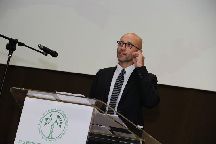 http://www.ragusanews.com//immagini_articoli/11-11-2017/comiso-symposium-pomodoro-500.jpg