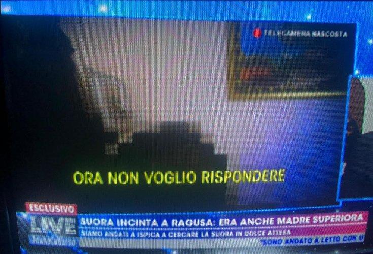 https://www.ragusanews.com//immagini_articoli/11-11-2019/suore-incinte-in-sicilia-le-telecamere-nascoste-di-barbara-d-urso-foto-500.jpg
