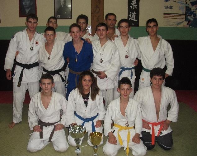 https://www.ragusanews.com//immagini_articoli/11-12-2012/la-koizumi-scicli-prima-al-torneo-judo-alle-pendici-delletna-500.jpg