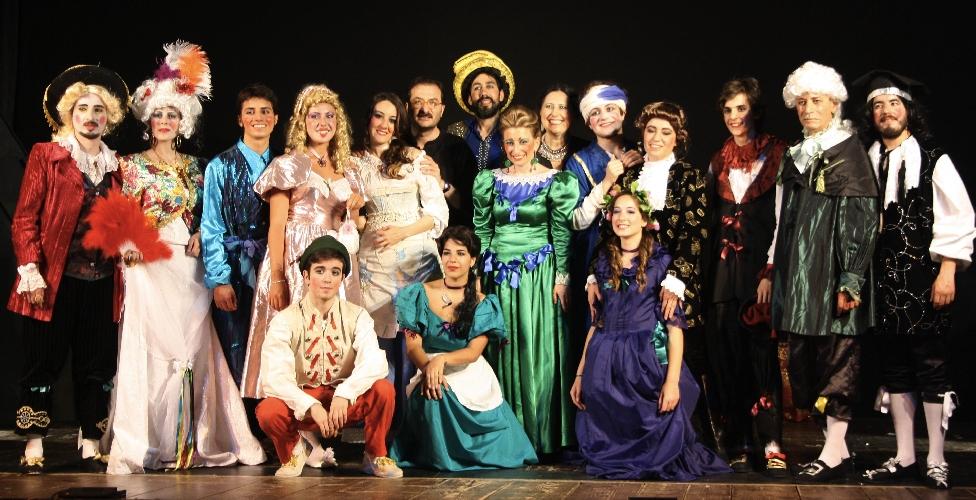https://www.ragusanews.com//immagini_articoli/11-12-2014/il-borghese-e-gentiluomo-in-teatro-a-ragusa-500.jpg