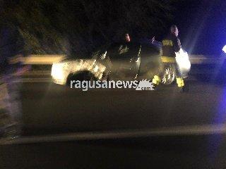 https://www.ragusanews.com//immagini_articoli/11-12-2018/grave-incidente-ragusa-modica-auto-furgone-240.jpg