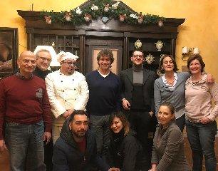 https://www.ragusanews.com//immagini_articoli/11-12-2019/una-cena-siciliana-meraviglie-per-alberto-angela-foto-240.jpg