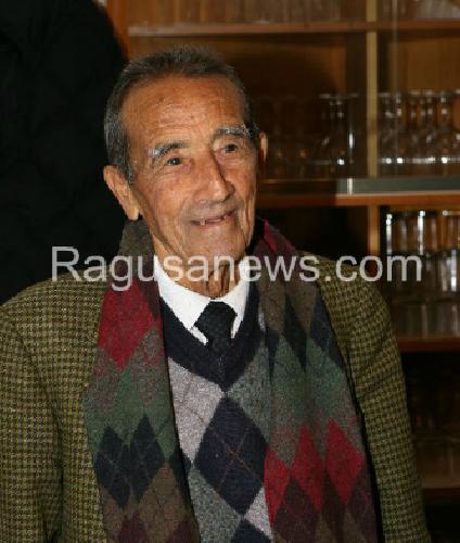 http://www.ragusanews.com//immagini_articoli/12-01-2016/e--morto-don-michele-fondatore-della-taverna-nicastro-500.png