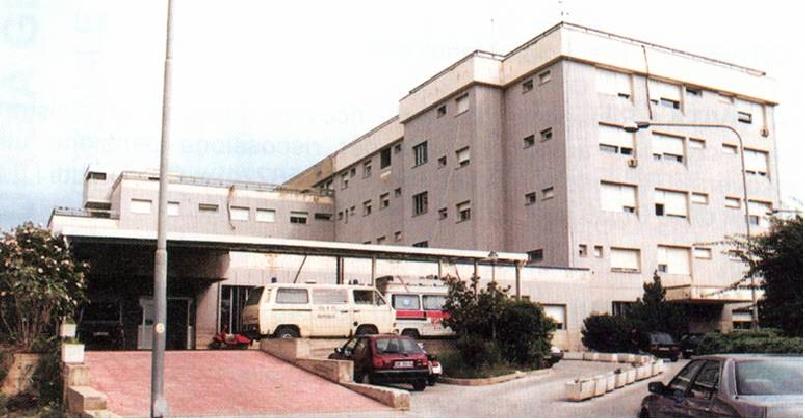 http://www.ragusanews.com//immagini_articoli/12-01-2017/ospedale-modica-depotenziato-favore-polo-avola-noto-420.jpg